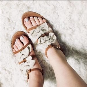 ANTHROPOLOGIE Tibi NYC Flora Canvas Cream Bow Brown Leather Sandal Sandals 9.5